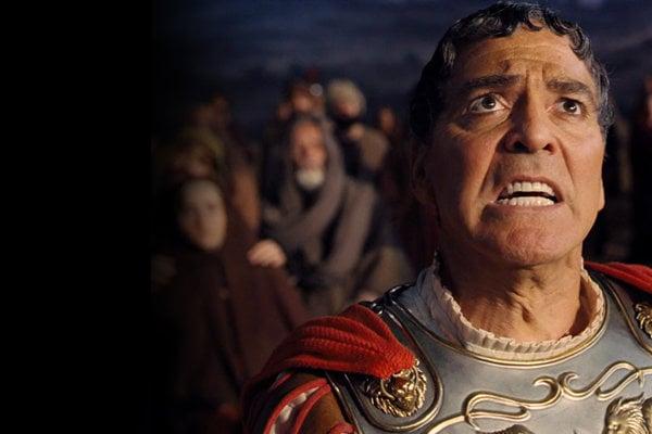 Berlinale otvoril film bratov Coenovcov s Georgeom Clooneym v hlavnej úlohe: Hail, Caesar.