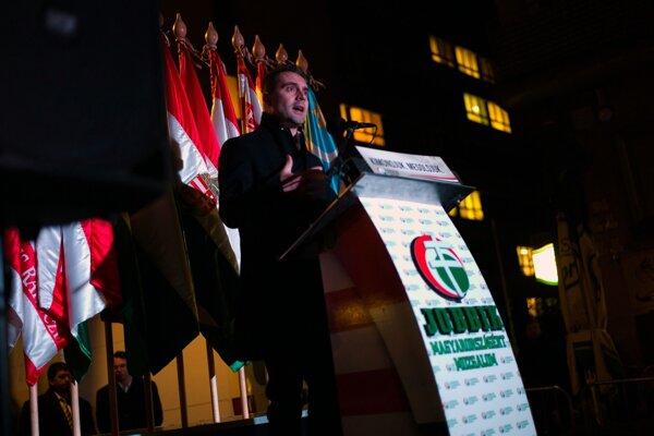 Na snímke prejav predsedu Jobbiku Gábora Vonu.