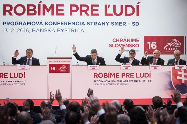"""Cieľom zrazu bolo schválenie programového dokumentu s názvom """"Robíme pre ľudí a chránime Slovensko""""."""