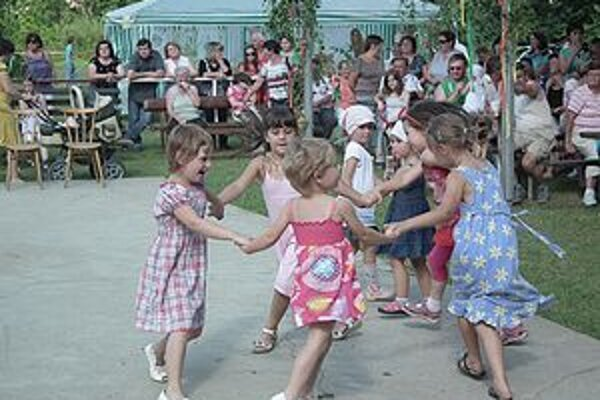 Pri vystúpení Weitera si zatancovali aj deti.