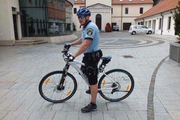 O cyklohliadky je v Trnave medzi policajtmi záujem.