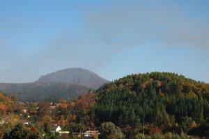 Oblak dymu zasiahol najmä štvrte Dúbrava a Šidlovec.