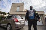 Policajti prehľadávajú Kočnerove domy. Pozrite si fotogalériu