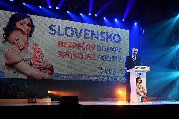 Na mítingu v Poprade vystupuje Ján Figeľ.