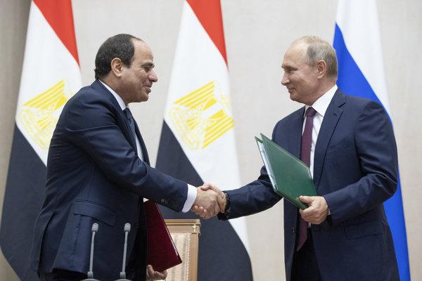 Egyptský kolega Abdal Fattáh Sísí a ruský prezident Vladimir Putin.