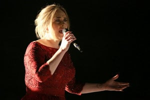 Adele na ceremoniáli Grammy.