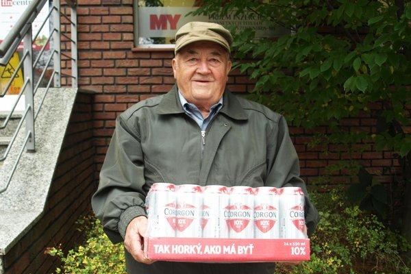 Pre kartón piva Corgoň od spoločnosti Heineken si prišiel Ján Kozla zo Žirian.