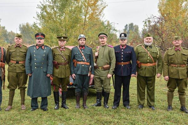 Snímka zo spomienkového podujatia v rámci 100. výročia vzniku Československej republiky pri bunkri B-S 6 Vrba.