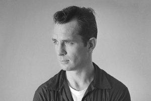 Jack Kerouac (1922 – 1969), najpopulárnejší člen Beat Generation. Predstavoval maskulíny typ spisovateľa, ktorý bol zároveň športovec, cestovateľ aj umelec.