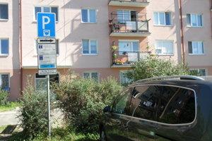 Okrem sms zaplatíte parkovanie v Prievidzi aj cez mobilnú aplikáciu.