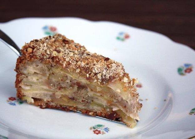 Jablkový koláč s orechami