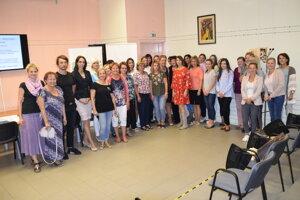 Na každom zo seminárov sa zúčastnilo 35 pedagógov z24 škôl regiónu.