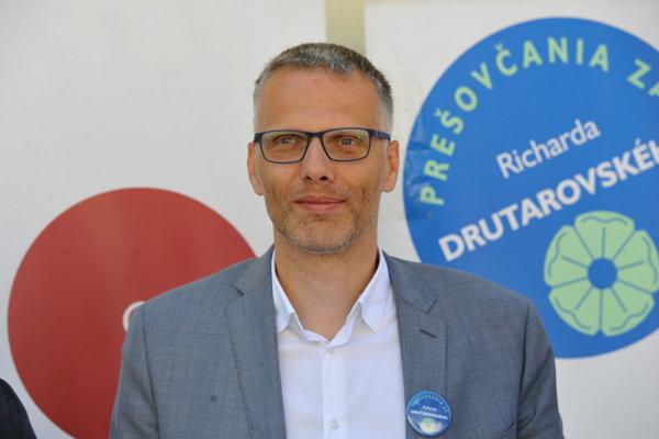 Richard Drutarovský ako primátor neuspel, dostal sa však do zastupiteľstva ako poslanec.