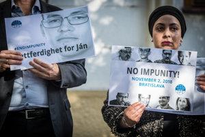 Členovia správnej rady Medzinárodného tlačového inštitútu (IPI Executive board) sa zhromaždili pri pietnom mieste pre zosnulého novinára Jána Kuciaka počas Medzinárodného dňa ukončenia beztrestnosti za trestné činy proti novinárom.