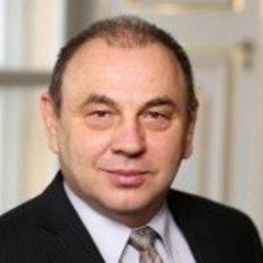 Peter Hanulík .