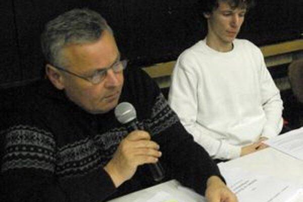 O rozpočte informovali Jiří Slavík (vľavo) a Stanislav Fusek.