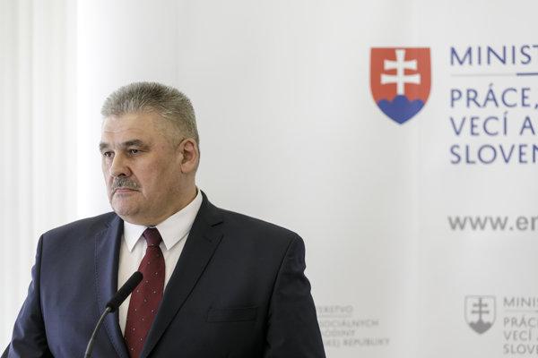 Minister práce Ján Richter.