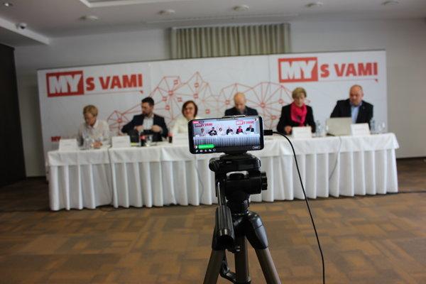 Diskusiu MY S VAMI sme vysielali online na internete. Diváci nám mohli posielať otázky.