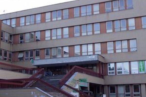 Nemocnici hrozí exekúcia.