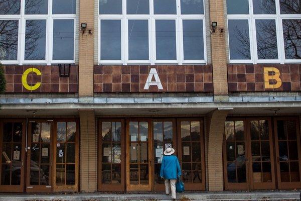 Budova niekdajšieho PKO v Bratislave.