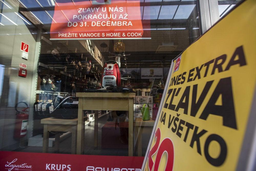 a1bc0d8748ba5 Ako dnes vyzerá outlet vo Voderadoch - fotogaléria - ekonomika.sme ...