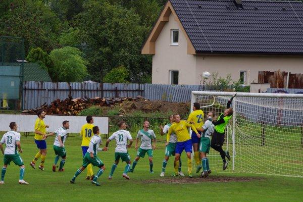 Momentka zo zápasu Hriňová - Pliešovce - ilustračné