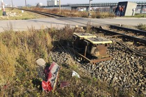 Vodič auta mal obrovské šťastie, zrážku si odniesla len zadná časť kie.