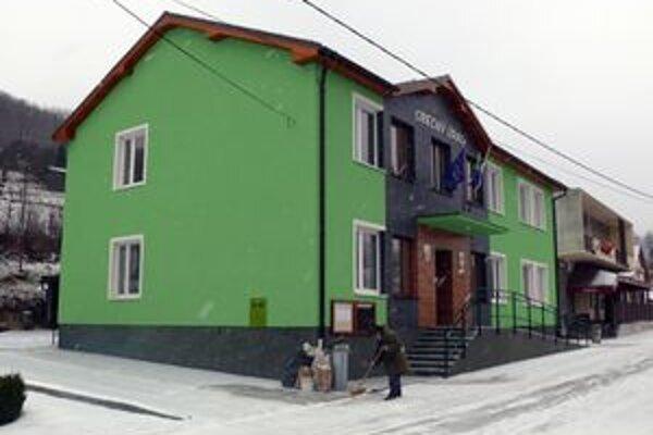 Vynovená budova obecného úradu.