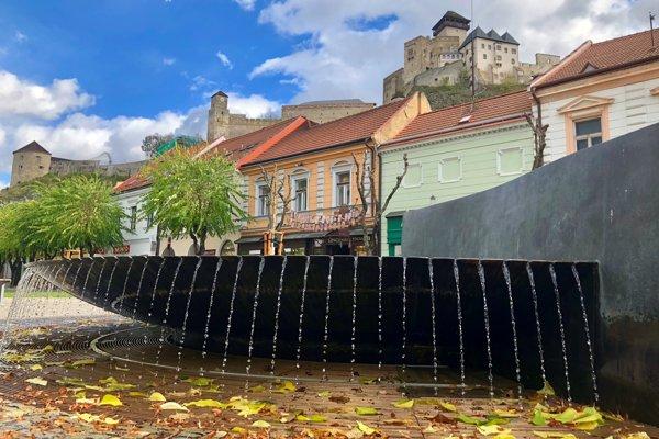 Fontána na Mierovom námestí v Trenčíne.