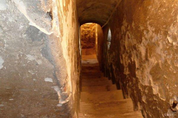 Rytier Burian dostal podľa povesti do daru Žilinský hrad a na jeho najvyššom mieste chcel postaviť vežu, z ktorej by stráže pozorovali okolie.