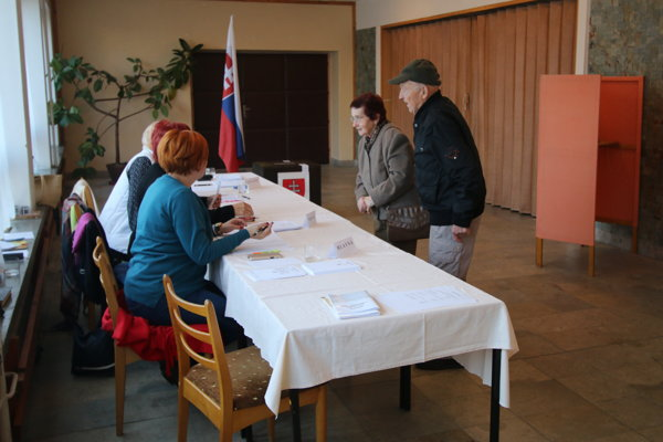 Pre obyvateľov Závažnej Poruby sú voľby občianskou povinnosťou, ktorú si splnia aj vtedy, ak výsledky už poznajú.