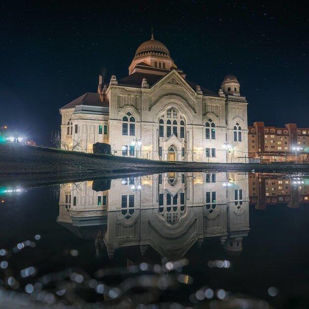 Židovská synagóga v Lučenci (rok 2016)