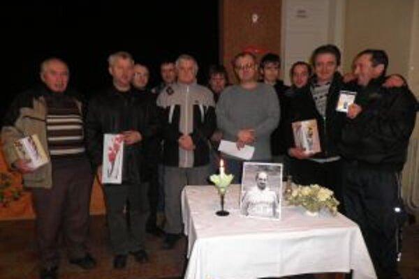 Účastníci turnaja v Červenom Kameni.