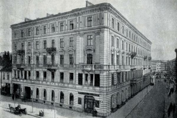 Takýto dom postavili Orszaghovci z Laclavej vo Varšave.