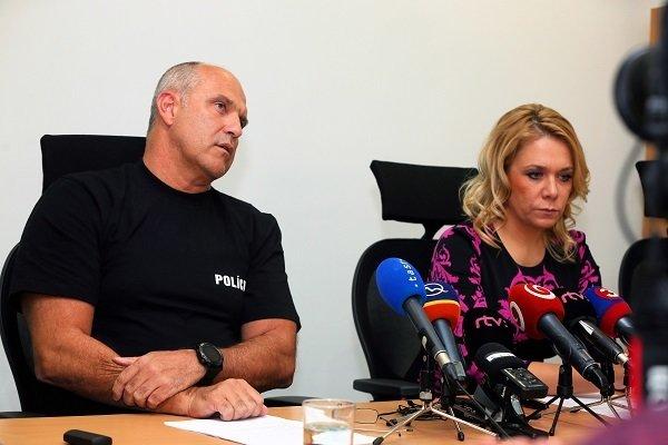 Prezident Policajného zboru Milan Lučanský a ministerka vnútra Deniska Saková.