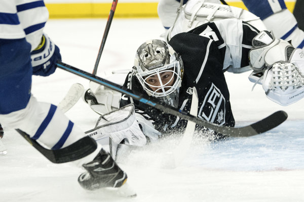 Peter Budaj v bráne Los Angeles Kings.