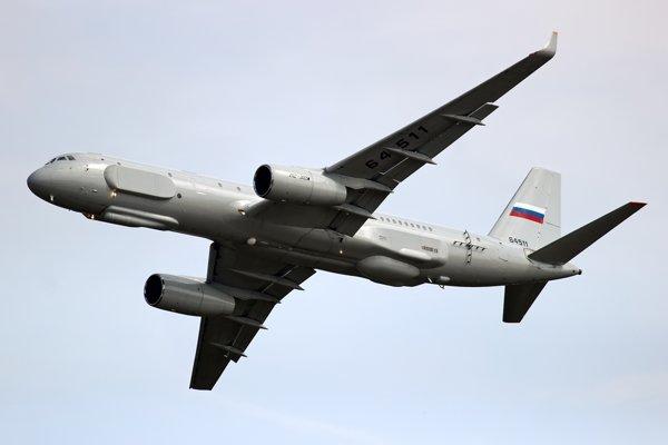 Ruské prieskumné lietadlo TU-214R.