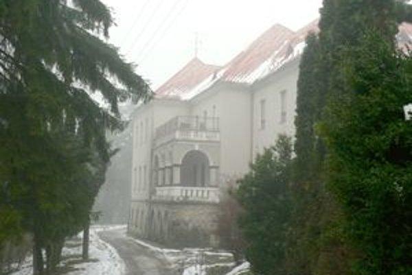 V januári už by mali byť deti z domova v Zlatovciach.