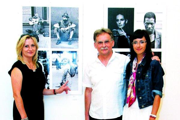 Pavol Čepček s manželkou a dcérou.