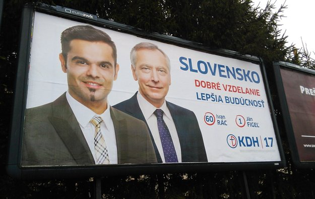 Ivan Rác na spoločnom bilborde s predsedom KDH Jánom Figeľom.