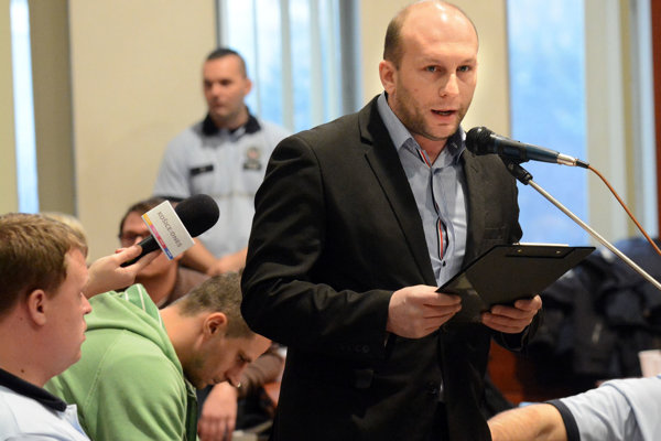 Djordjevič už na rokovaní MZ vystúpil ešte ako miestny poslanec, zožal piskot.