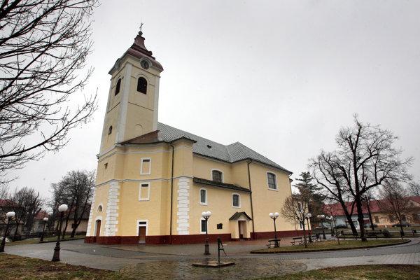 Farský kostol sv. Františka z Assisi v starej Detve.