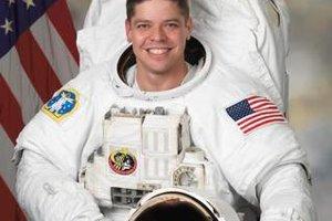 Testovacieho letu SpaceX s posádkou sa zúčastní astronaut NASA Bob Behnken.