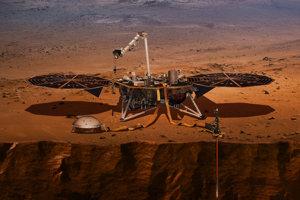Umelecké zobrazenie sondy InSight na povrchu Marsu.