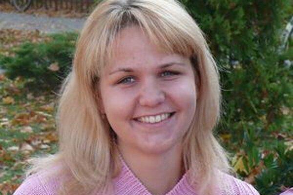 Helena sa začala učiť spoločenské tance a po španielsky.