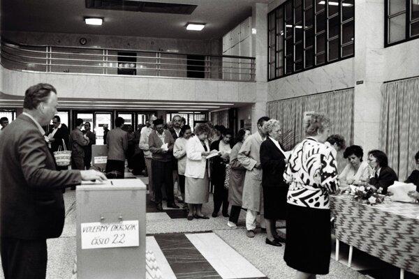 Najviac ľudí na Slovensku hlasovalo vo voľbách 8. júna 1990. Zúčastnilo sa na nich 95,4 percenta voličov.