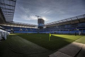 Práce na Národnom štadióne stále prebiehajú.