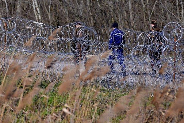 Zábrany na maďarsko-srbských hraniciach.