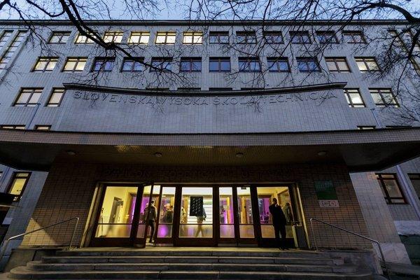 Budova Fakulty architektúry STU v Bratislave.
