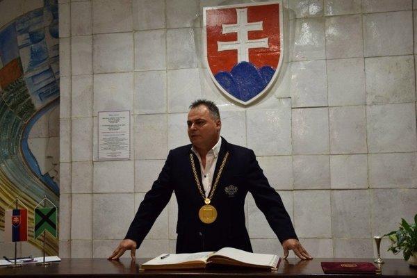 Primátor Veľkého Krtíša, Dalibor Surkoš.